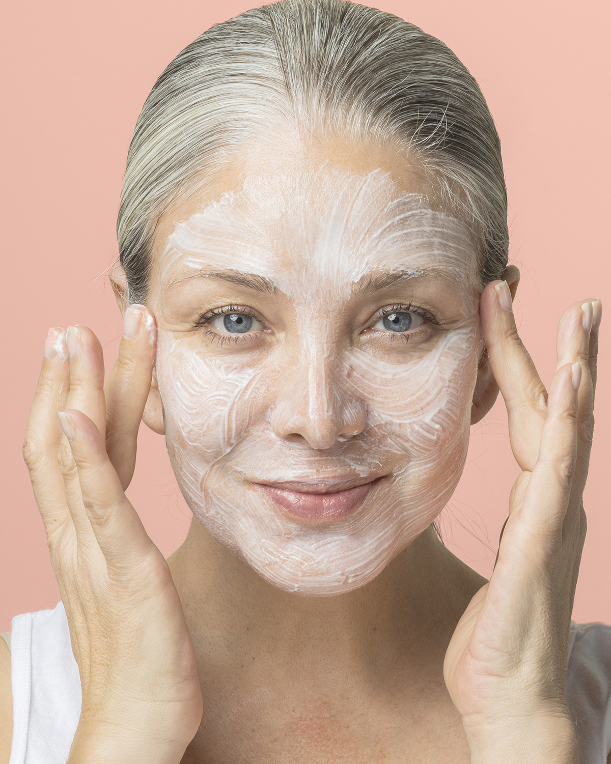 Ultra Hydrating Mask Application